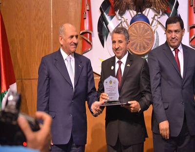 جائزة الموظف القيادي المثالي للدكتور عبدالله ملكاوي